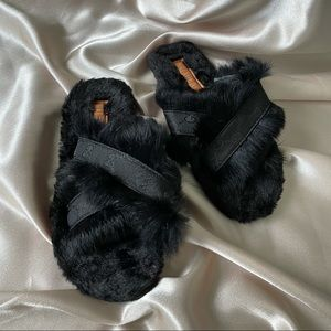 Trendy Fashion Fluffy Slippers